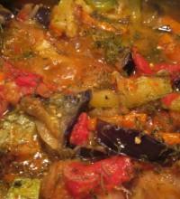 Рагу овощное с баклажанами